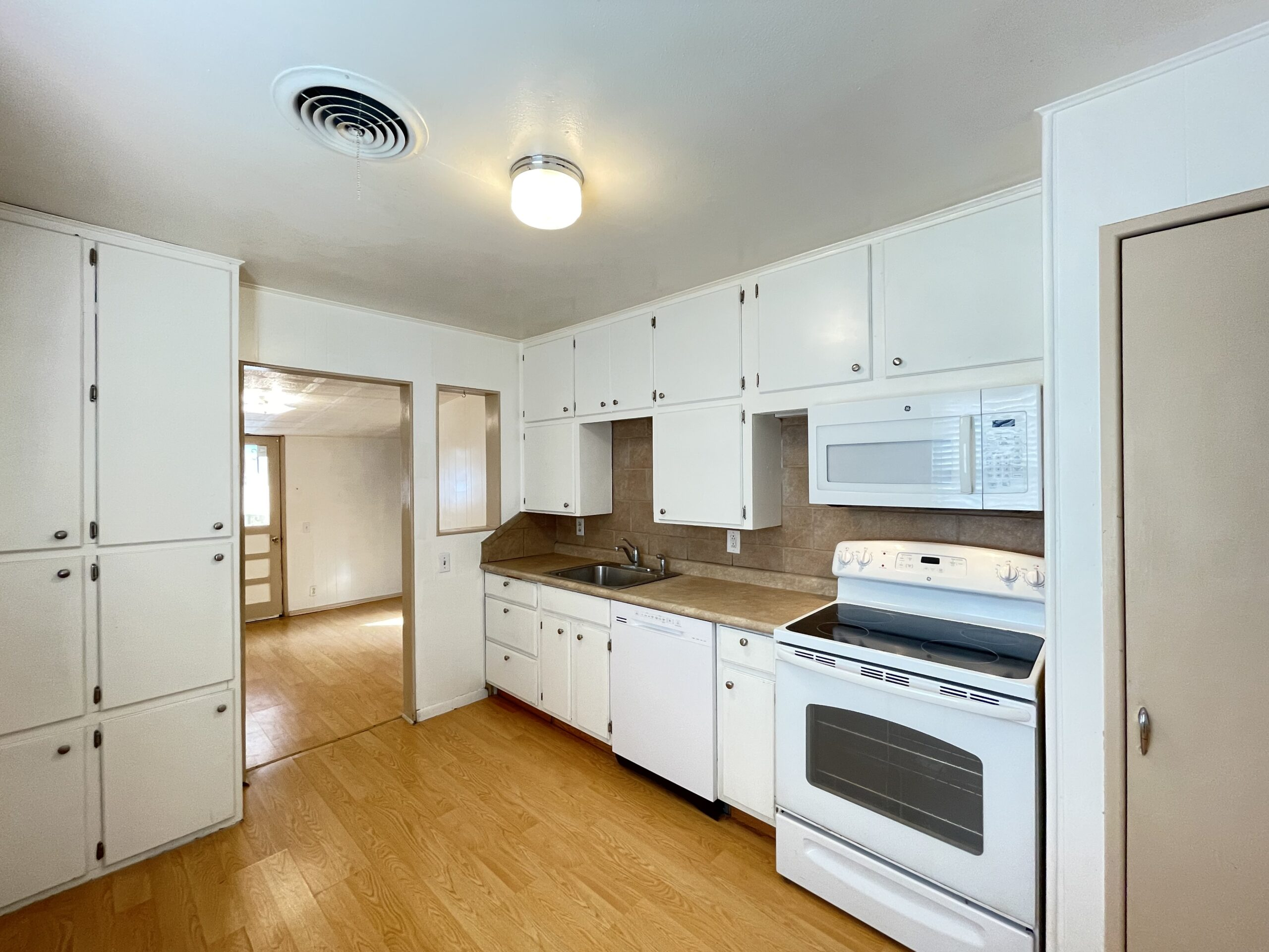 1206 Sissom - Kitchen 2